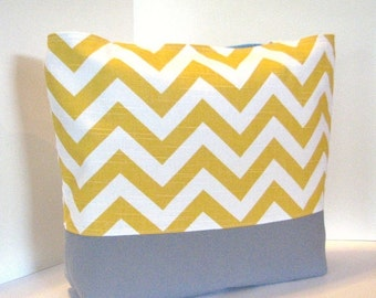 Set of 12 Chevron Totes . Chevron Beach bags . Mix & Match Colors . standard size . monogramming AVAILABLE . bridesmaid gifts