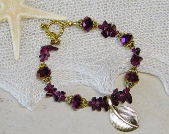 Magenta Glass Crystal Gold Leaf Bracelet, Garnet Beaded Bracelet, Gold Beaded Bracelet