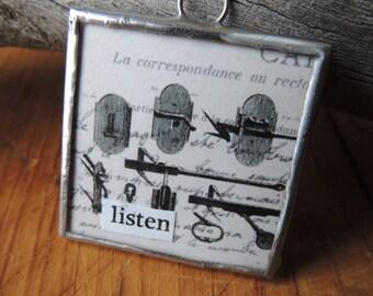 Listen Pendant