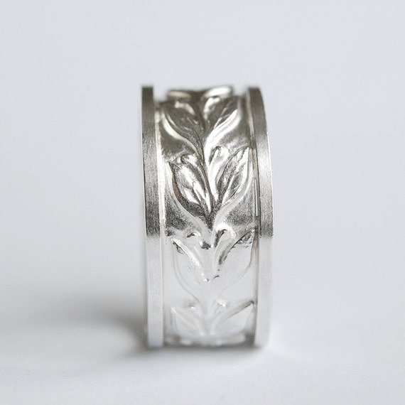 Silver Olive Leaf and Berries Ring In Your Size