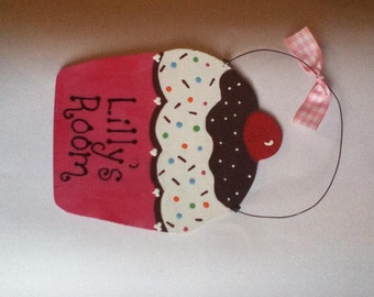 Girl's Cupcake Wall Hanging - Personalized