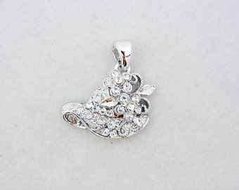 Small Silver-tone Rhinestone Hat with Flower Pendant