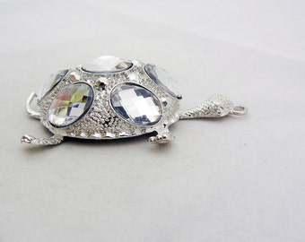 Textured Silver-tone Turtle Pendant Clear Acrylic Cabochons
