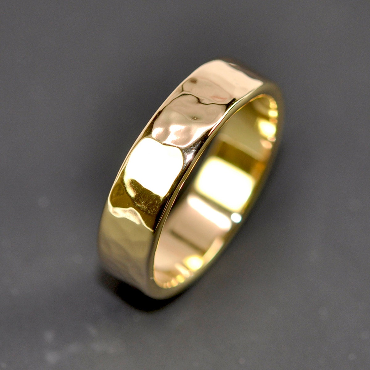 18K Yellow Gold Mens Wedding Band Hammered 5mm Ring Sea