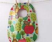 Apple Baby Bib - Cute Baby Shower GIft