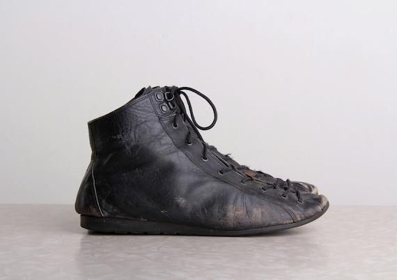 on hold vintage boxing shoes athletic sport footwear black