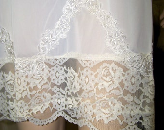 50s lace vintage full slip white nylon Nan Flowers B36