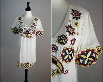 Vintage EMBROIDERED v-neck tunic / embroidered minidress