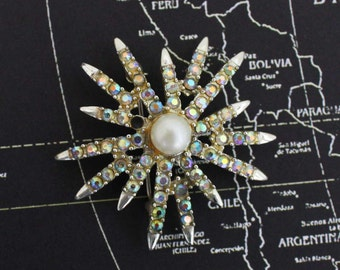 Emmons Rhinestone and Faux Pearl Starbust Brooch - Vintage Costume Jewelry Pin