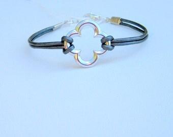 Metallic Gray Leather and Silver Quatrefoil Bracelet