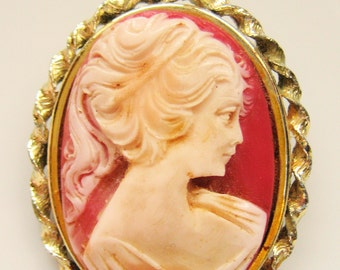 Large Vintage Amber Peach Cameo Broach Pin Shipping Included to USA