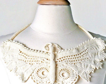 Crochet Necklace Irish Crochet Lace Butterfly Necklace Ecru Beige Statement Necklace Crochet Jewelry Bib Necklace Fiber Necklace