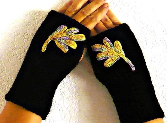 Knit Arm Warmers Irish Crochet Motif Black Armwarmers Winter Fashion Gloves Womens Gloves Fall Accessories Texting Gloves Warm Gloves
