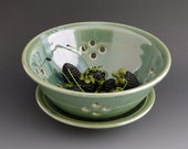 Green Berry Bowl with plate