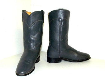 Vintage Grey Acme brand Cowboy boots in a cowgirl size 6.5 M