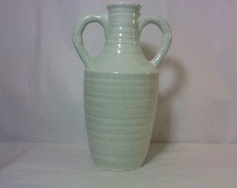 FREE SHIPPING Vase Pottery Jug Artist signed (lot 18)