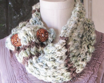 Frosted Pinecone Cowl
