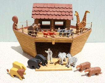 Noah's Ark with animals, Animals, Noah, Ark, Lions, Tigers,Giraffes,Moose, Zebras, Goats, Foxes,Bears,