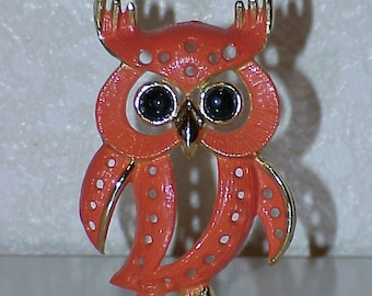 Vintage--OWL--Earring Holder--Torino--Coral and Black--1970's