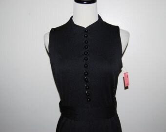 SALE........Vintage Dress Perfect Black 70s Buttons Galore