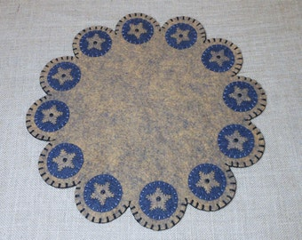 Primitive Look Star Design Penny Rug  - 15.5 Inches