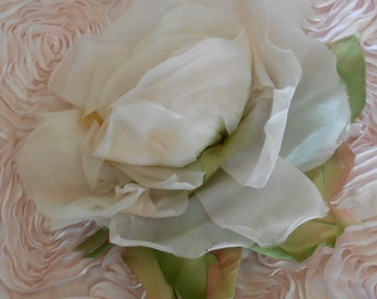 1940's Ivory Silk Rose