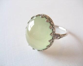 7 size - Prehnite Gemstone Cabochon Ring Sterling Silver - Fancy Bezel