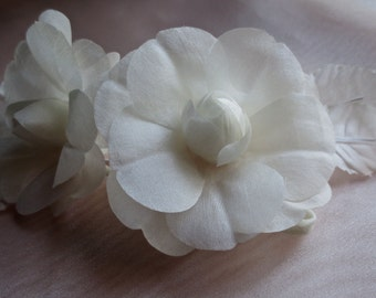 SALE Silk Rose Camellia in Ivory Cream for Bridal, Sashes, Headbands, Birdcage Veils, Corsages, Millinery MF 124