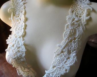 Lace Applique PAIR in Ivory Venise Lace for Bridal, Sashes, Headbands, Garment, Costume Design PR 302