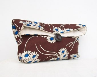 Makeup Bag, Blue and White Flowers on Brown Clutch Purse, Bridesmaid Gift, Bridesmaid Clutch Purse, Under 25, Makeup Bag