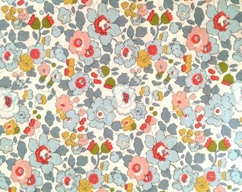 liberty of london - Betsy P -  fat quarter - light blue, pink, peach, light olive green and grey.