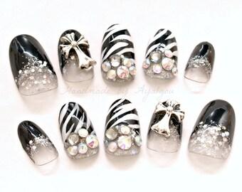Nail set, sexy nail, zebra nail, animal print nail, black nail, gyaru nail, jfashion, gyaru fashion, nails