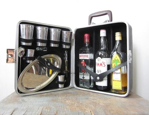 Reserved vintage travel bar portable travel bar - Mobile bar vintage ...