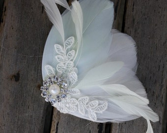 Bridal  Feather Fascinator, Wedding Headpiece, Ivory Feather Hair Clip, Mint Green Wedding Fascinator