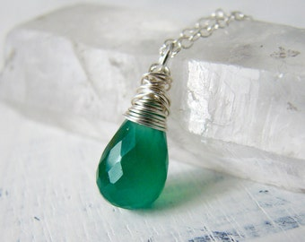 Emerald Green Quartz and Sterling Silver Gemstone Necklace