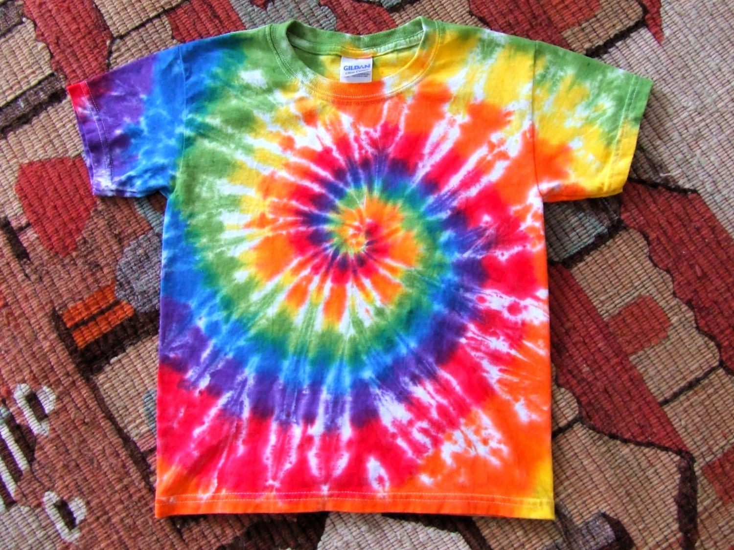 Youth rainbow swirl tie dye t shirt made to order xs s for Making a tie dye shirt