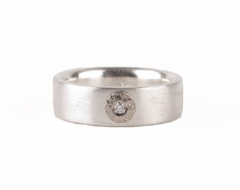 Silver ring with structured palladium and diamond