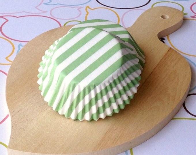 Lt Green Stripe Standard Cupcake Liners