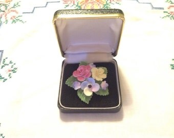 Vintage Cara Staffodshire brooch