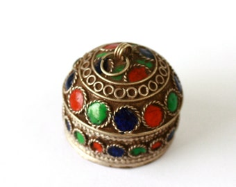 SALE //// PILL Box //// Handmade Silver  Box with a stone