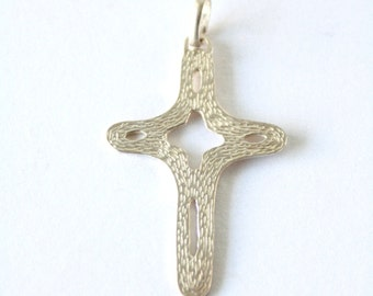 Vintage //// Sterling Silver Crucifix Pendant