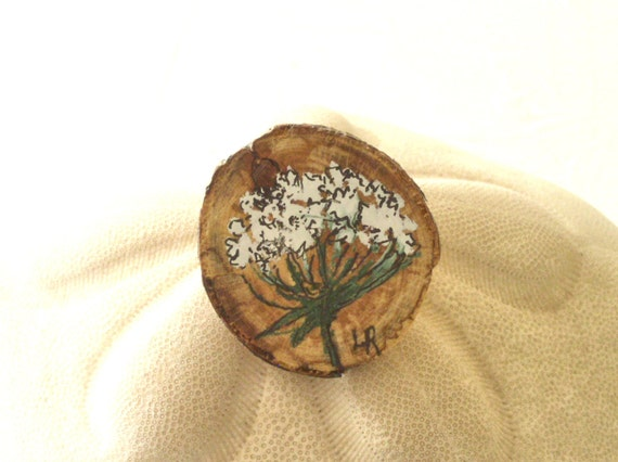 Woodland Queen Anne Lace Pin Painted Botanical Flower Made from Natural Wooden Beechwood