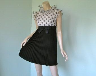 1960's Mini Dress- Black & White Mod- Pleated, Polka Dots, Pierrot Collar, Empire Wait, Sleeveless- Small- Circus / Twiggy / Go Go