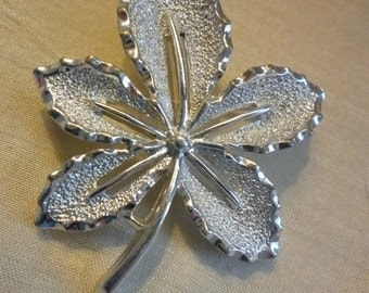 Vintage SARAH COVENTRY Silvertone Leaf Brooch