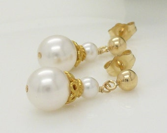 Gold and White pearl drop earrings, wedding jewelry, gold wedding earrings, small white pearl earrings
