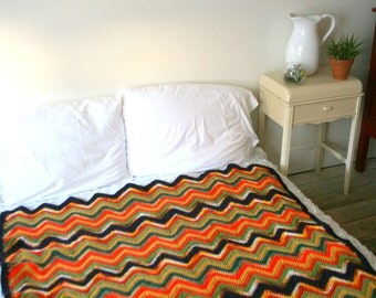 Classic Vintage Zig Zag Throw Blanket