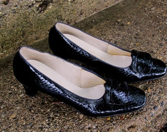 Vintage Naturalizer Black Patent Leather Faux Alligator Shoes, Sleek Shiny and Chic, Beautiful Classic Comfort, Heels