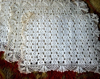 PLACEMAT Table Set  MATS Vintage Cotton Hand Crocheted Lace Large Doily RUNNERS