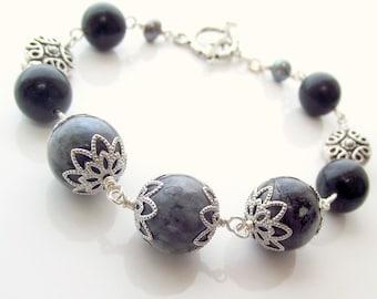 Labradorite beaded bracelet , gray beaded bracelet, gemstone bracelet
