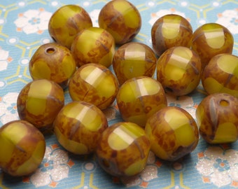 Lemon Meringue Glass Beads 8mm - 8pc